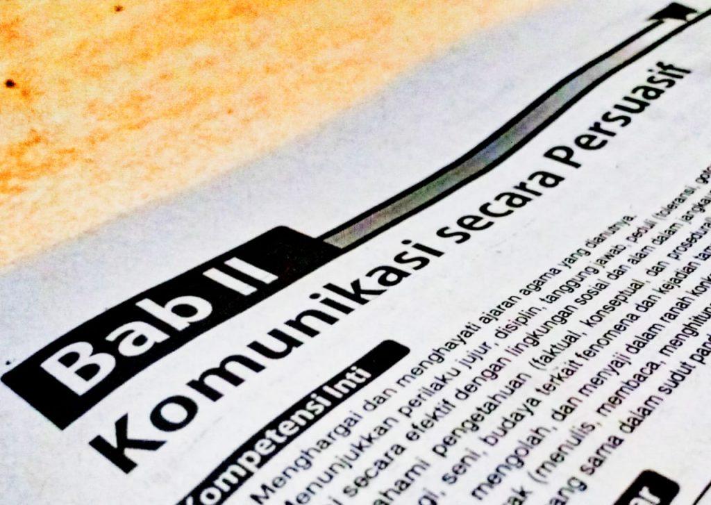 Bahasa Indonesia kelas VIII: Komunikasi secara Persuasif ...